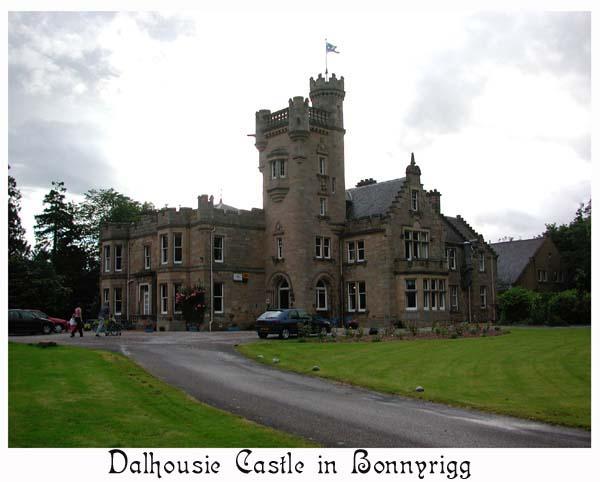 Dalhousie Castle, Clan Ramsay
