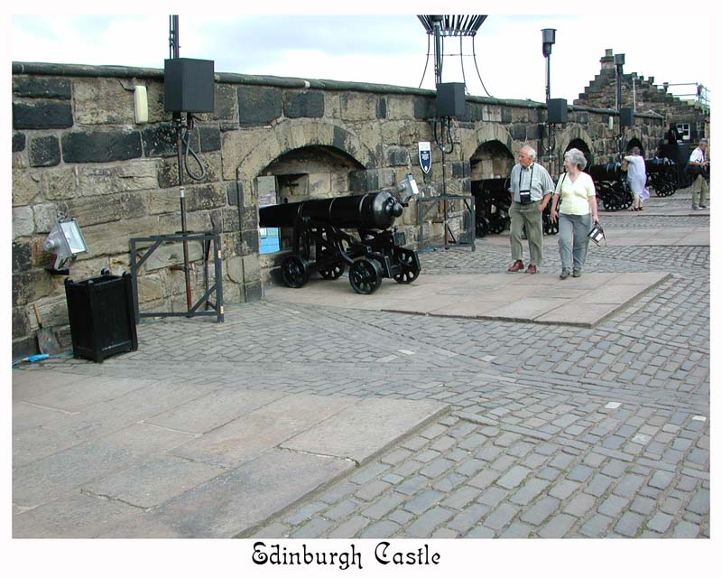 Every day Greyfriars Bobby waited by soldiers as they fired the 1:00 cannon, whereupon he ran to his lunch at a nearby restaurant !